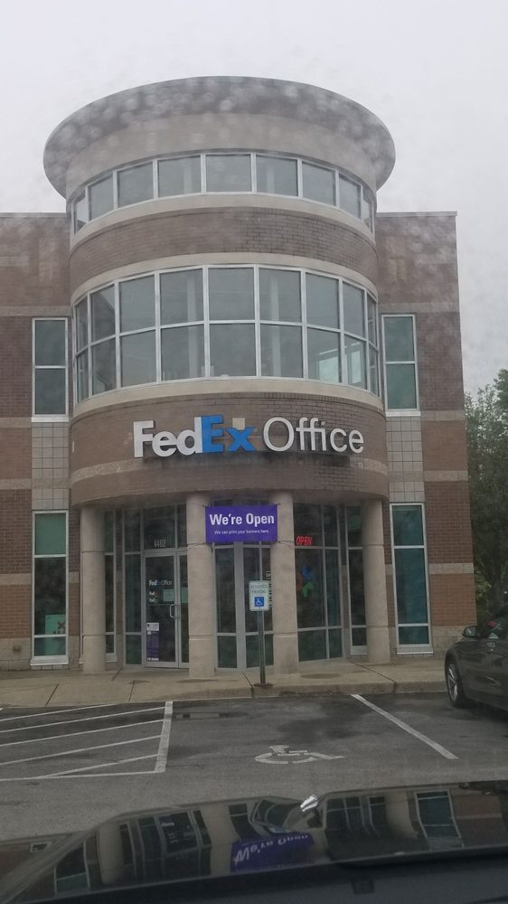 FedEx Office Print & Ship Center: 4402 Shelbyville Rd, Louisville, KY