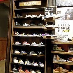 a5393923ef Vans - 44 Photos   19 Reviews - Shoe Stores - 1450 Ala Moana Blvd ...