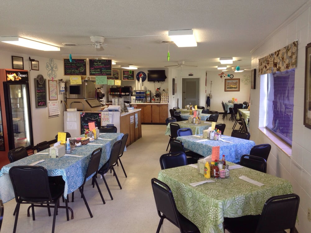 Airways Cafe: 1946 Harry Bennett Dr, Dexter, MO