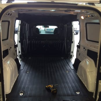 Happy vans 12 photos 17 reviews garages 724 for Beshoff mercedes benz