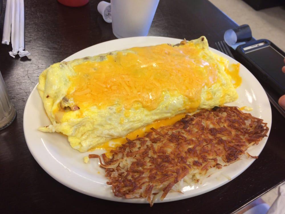Hoyts Country Cooking: 5424 N Carolina Hwy 150, Lexington, NC