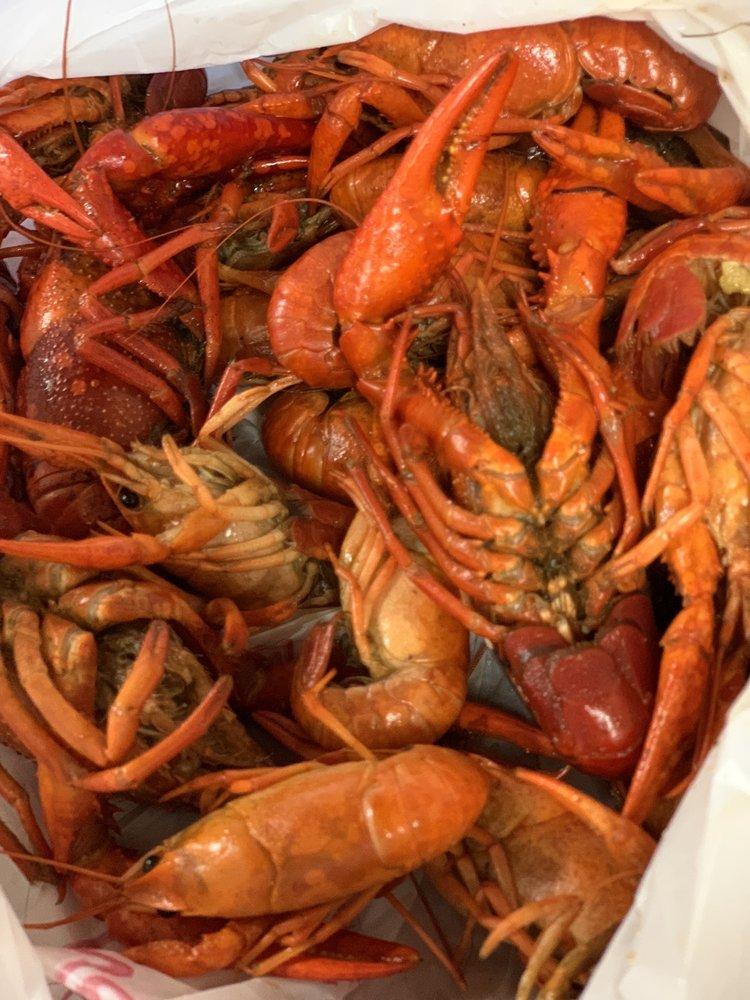 Killer Crab and Seafood: 3208 Ladnier Rd, Gautier, MS