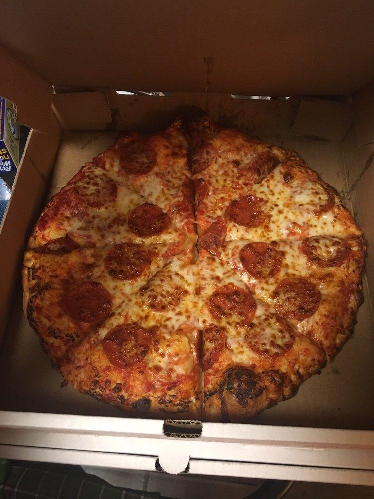 Jesse's Pizza: 102 S Main St, Stinnett, TX