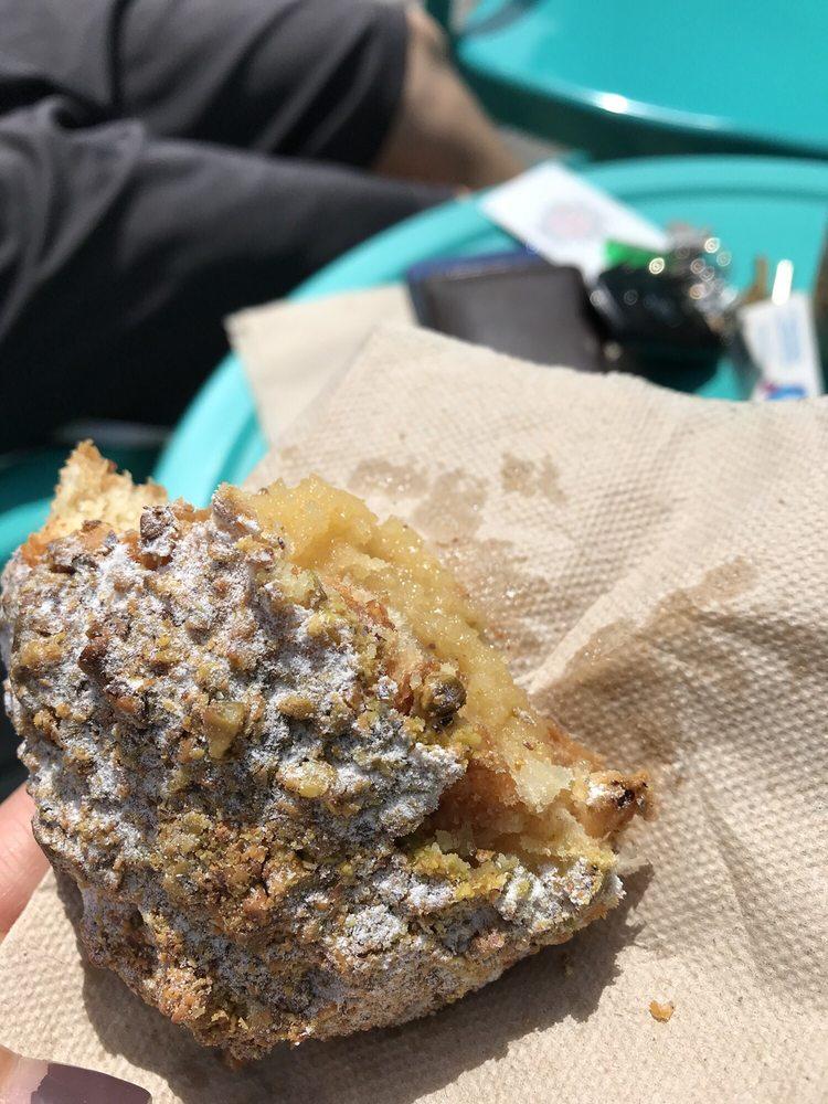 Eat Cake  4  Breakfast  Bakery: 302 Underpass Rd, Brewster, MA
