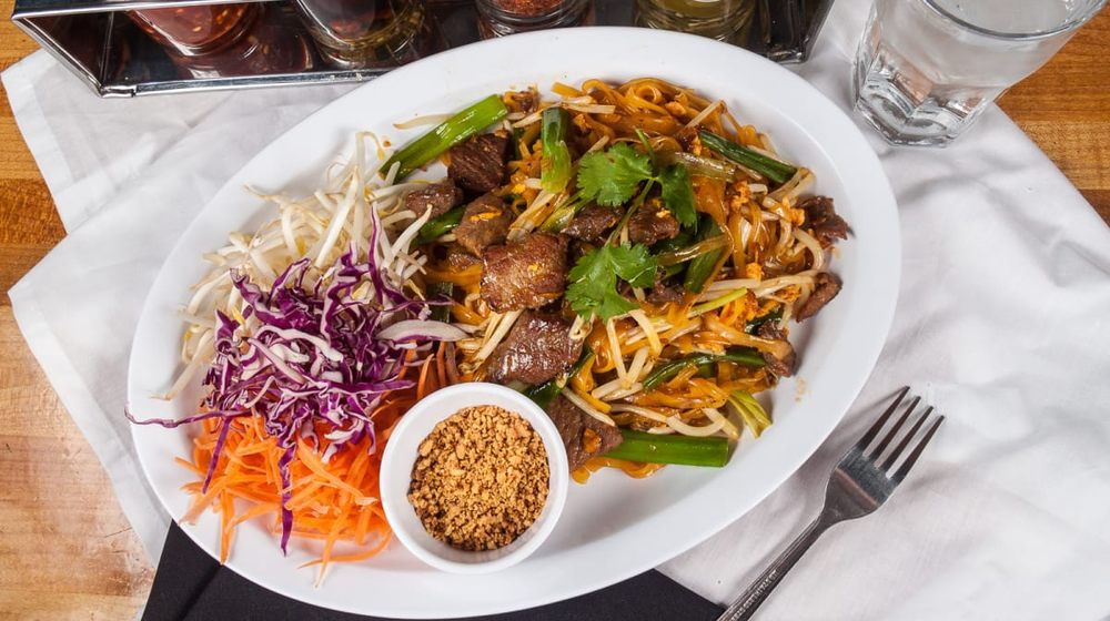Boonsee Thai Kitchen - Norco: 2051 River Rd, Norco, CA