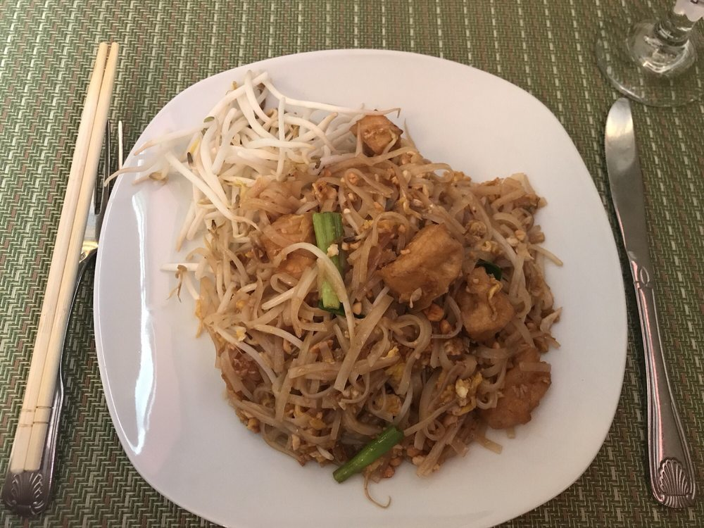 Thai Taste: 435 Cottage Rd, South Portland, ME