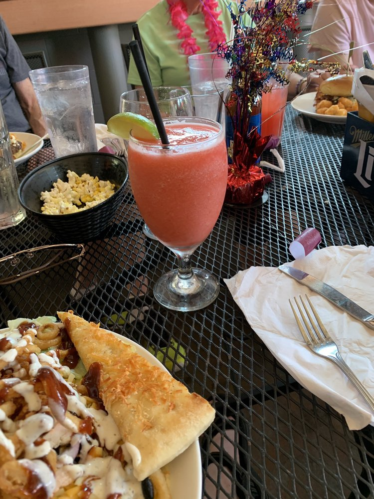 Ground Round Grill & Bar: 1010 Cameron Way, Neenah, WI