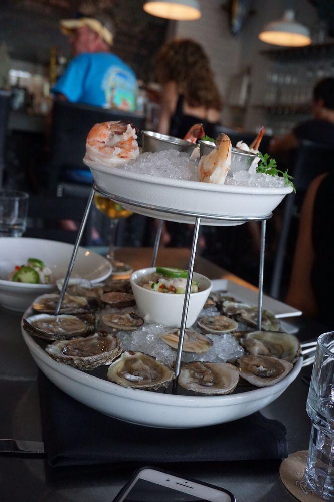 Thirsty Mermaid Raw Bar Restaurant: 521 Fleming St, Key West, FL