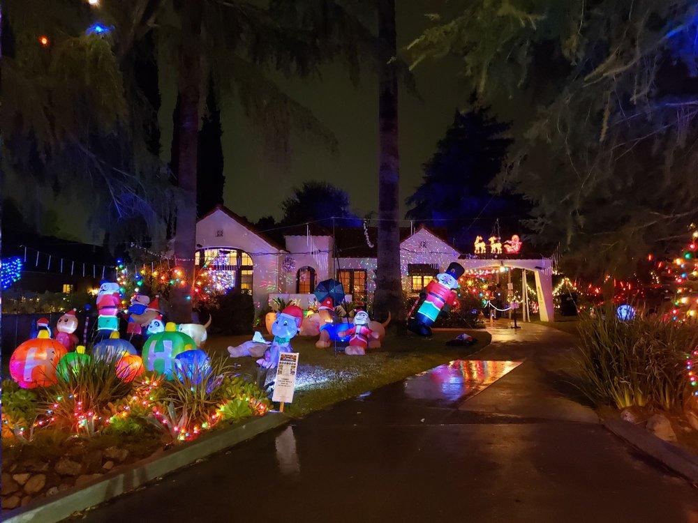 Christmas Tree Lane: Altadena, CA