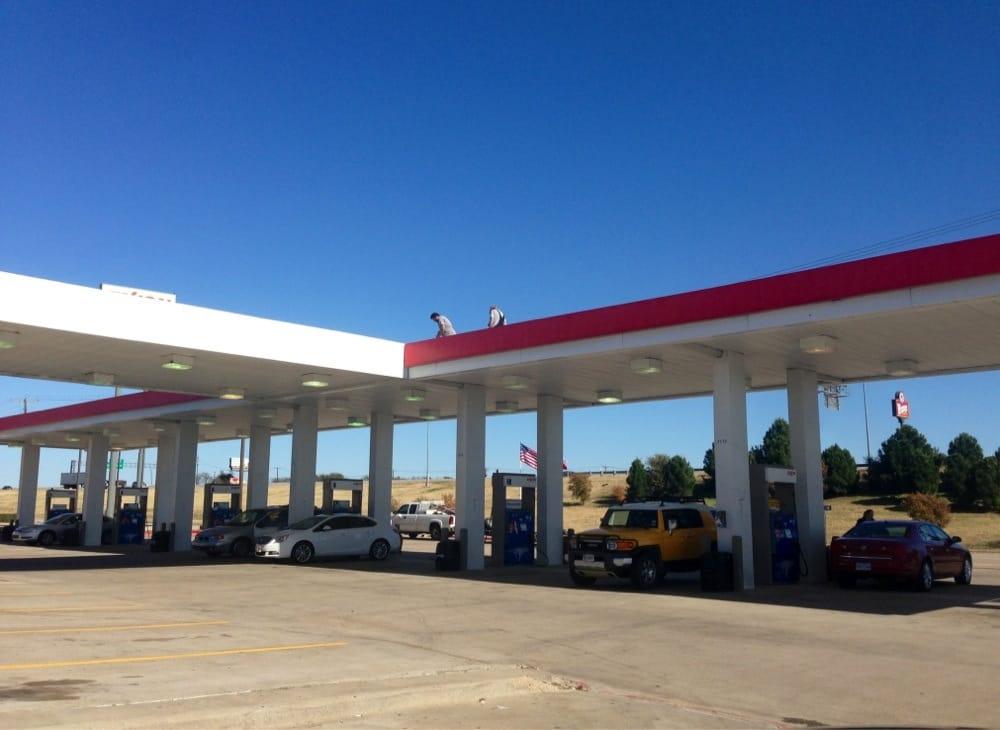 Exxon: 301 I 35 Hwy NW, Hillsboro, TX