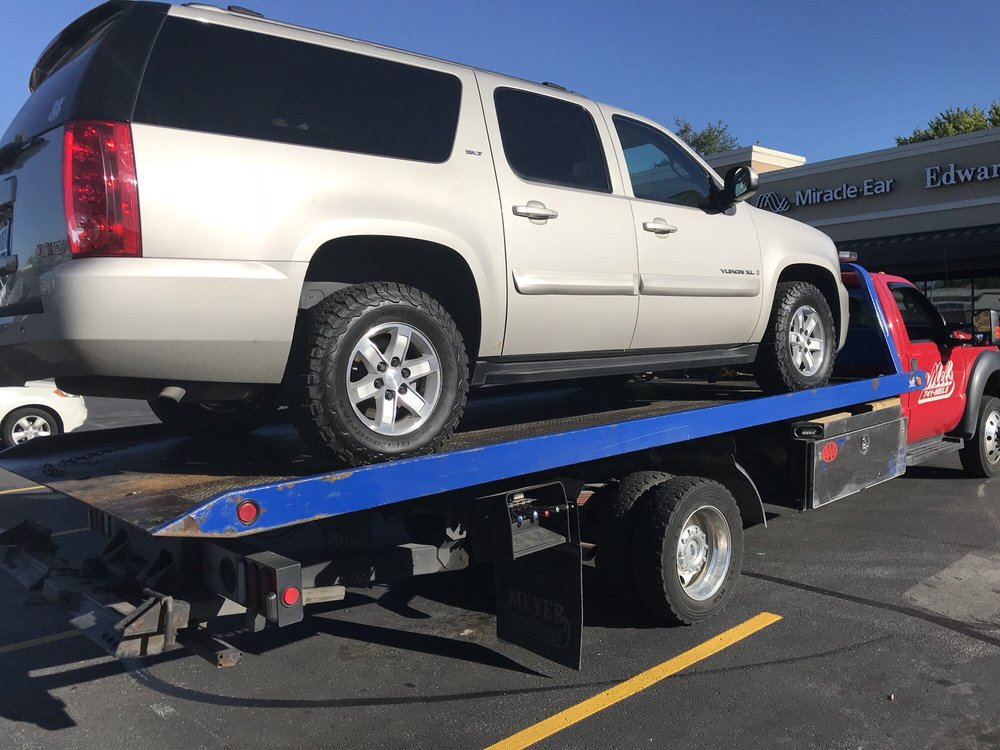 Towing business in Gladstone, MO