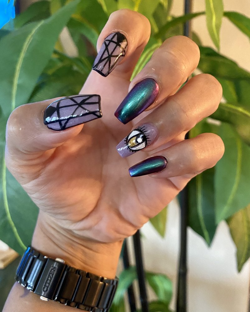 D'Luxe Nails and Spa: 3091 College Park Dr, The Woodlands, TX