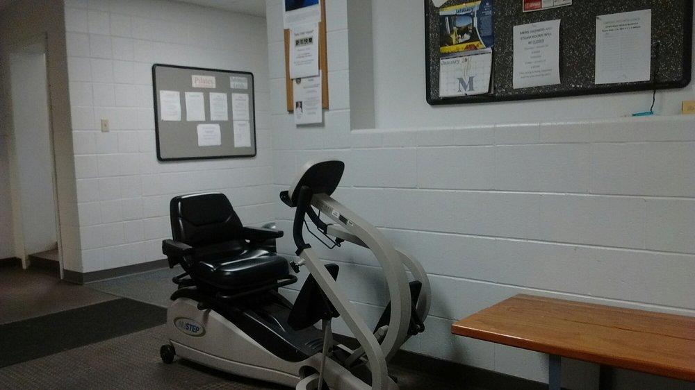Belleville Health & Sports Center: 1001 S 74th St, Belleville, IL