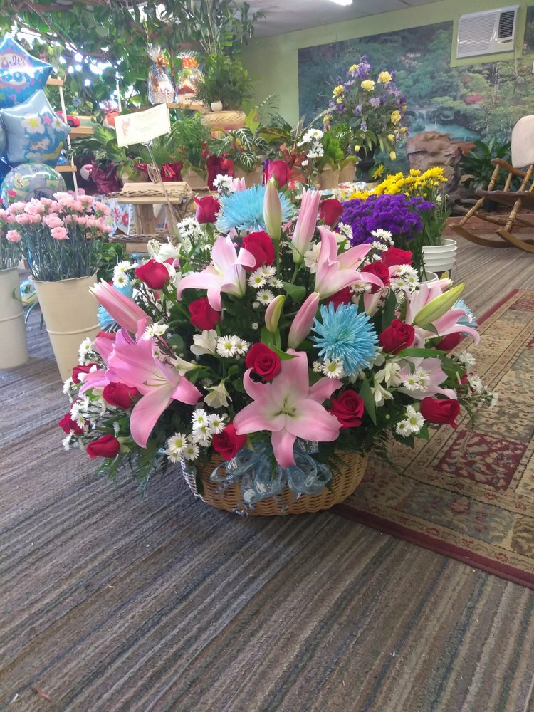 Expressions of Love Flowers & Gifts