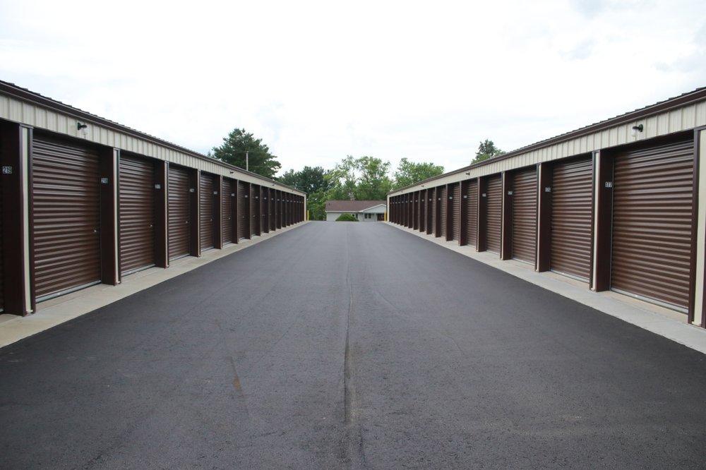 A Fordable Storage: 1375 Lancaster St, Platteville, WI