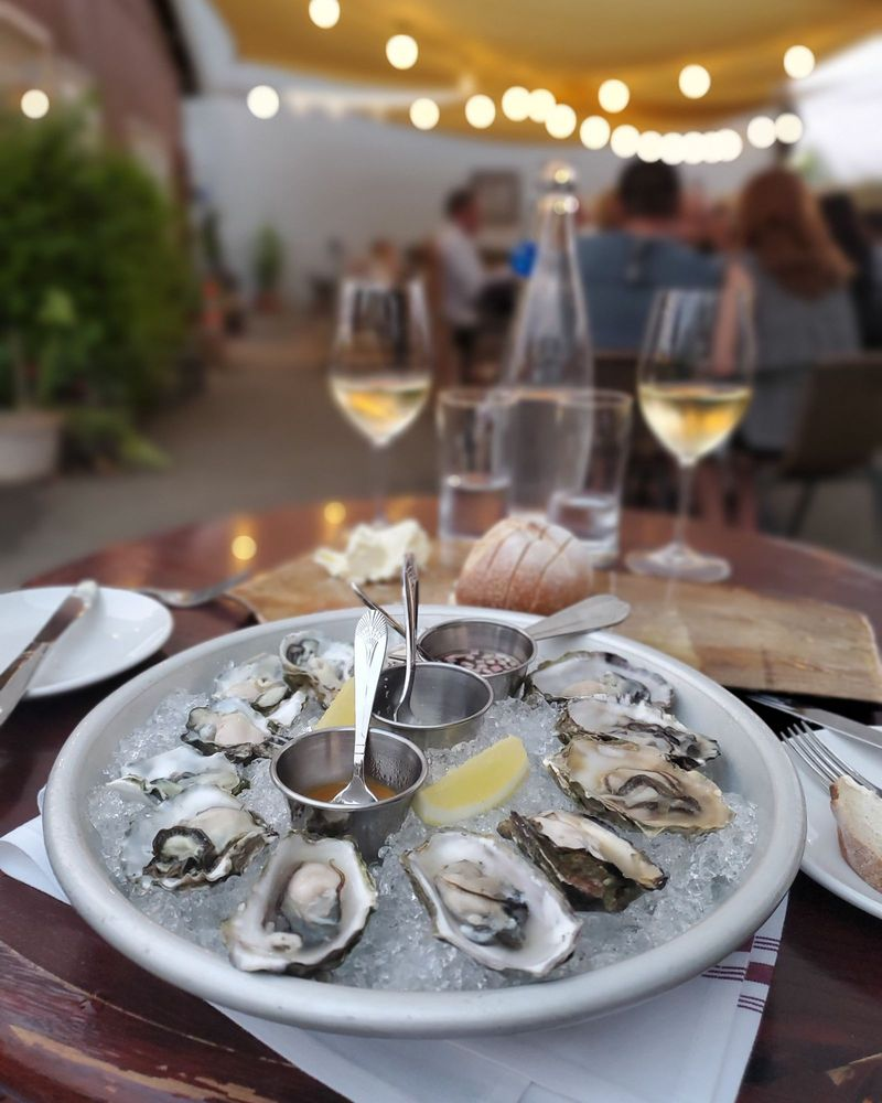 Reds' Bistro: 3645 Taylor Rd, Loomis, CA