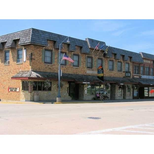 The Fenway House Hotel: 1096 Lincoln Ave, Fennimore, WI