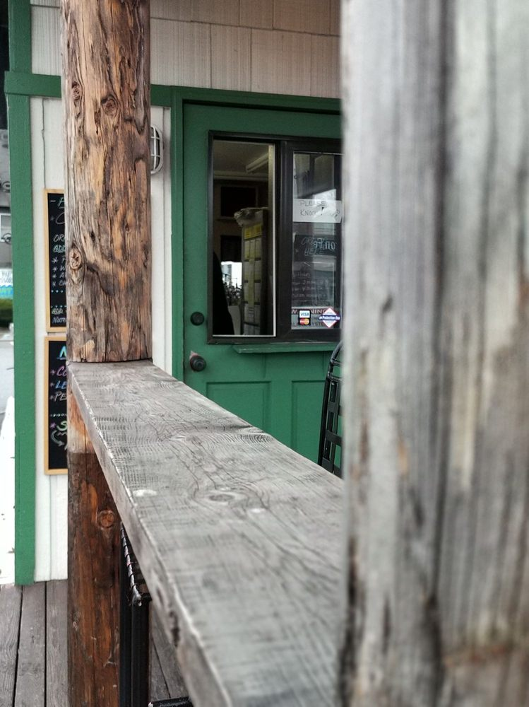The Seattle Cinnamon Roll: 13410 NE 175th St, Woodinville, WA