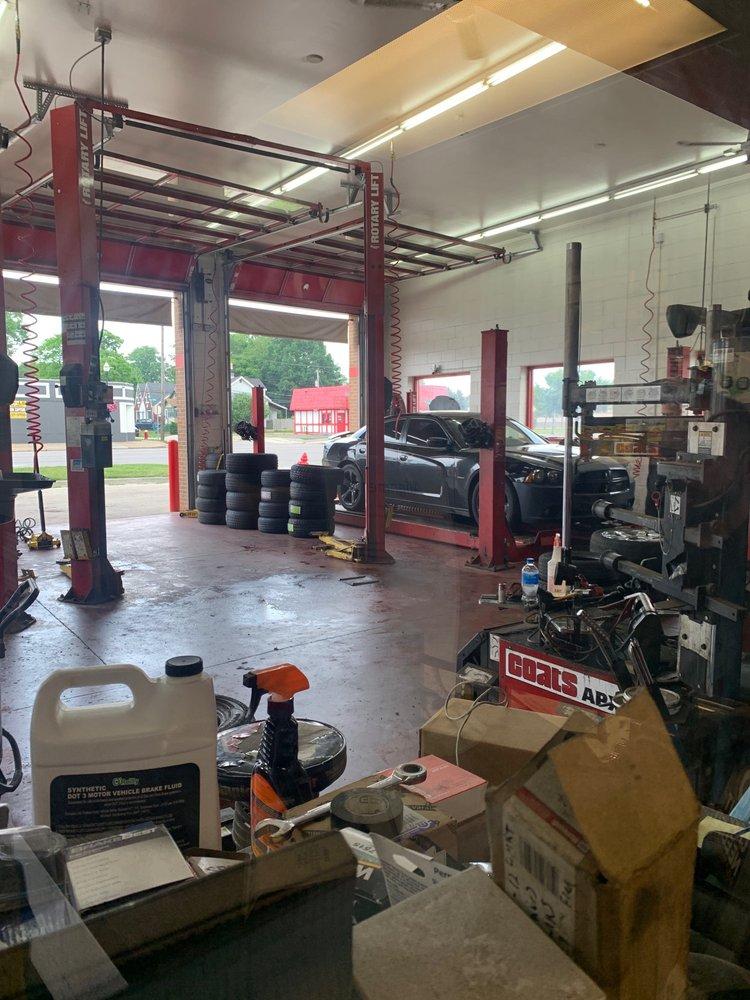 Twin's Tire Service Center