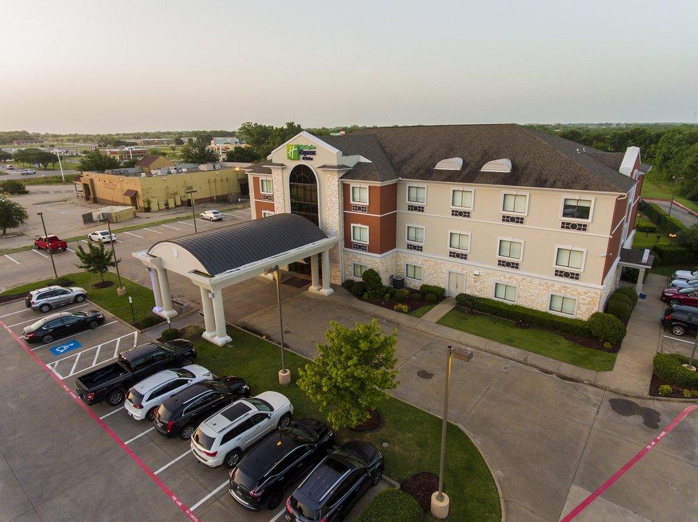 Holiday Inn Express & Suites - Greenville: 2901 Mustang Xing, Greenville, TX