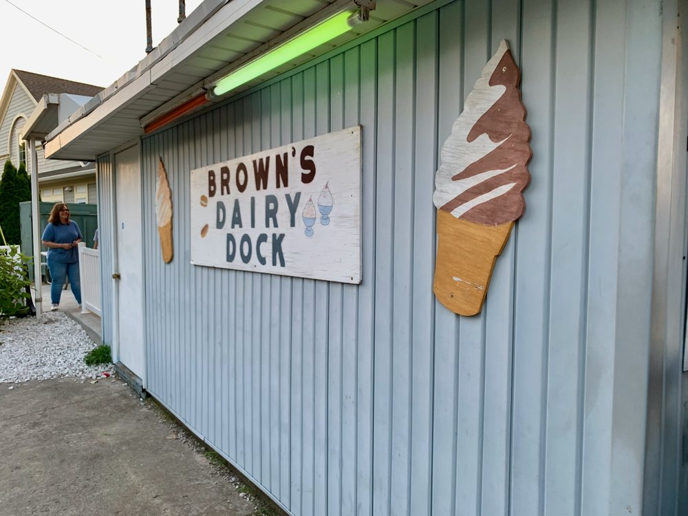 Browns Dairy Dock: 706 W Main St, Lakeside Marblehead, OH