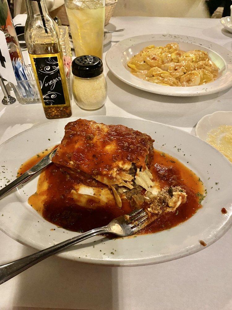 Santino's Steak and Pasta House: 180 E Center Dr, Alton, IL