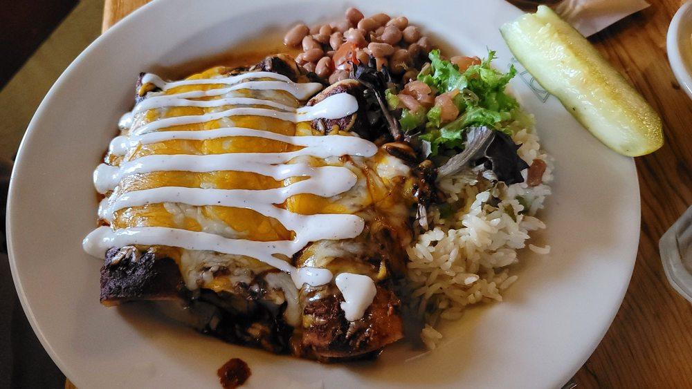 Reata Restaurant : 203 N 5th St, Alpine, TX