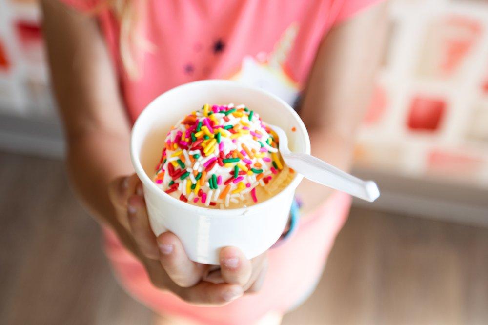 B's Ice Cream: 57 Snow Rd, Marshfield, MA
