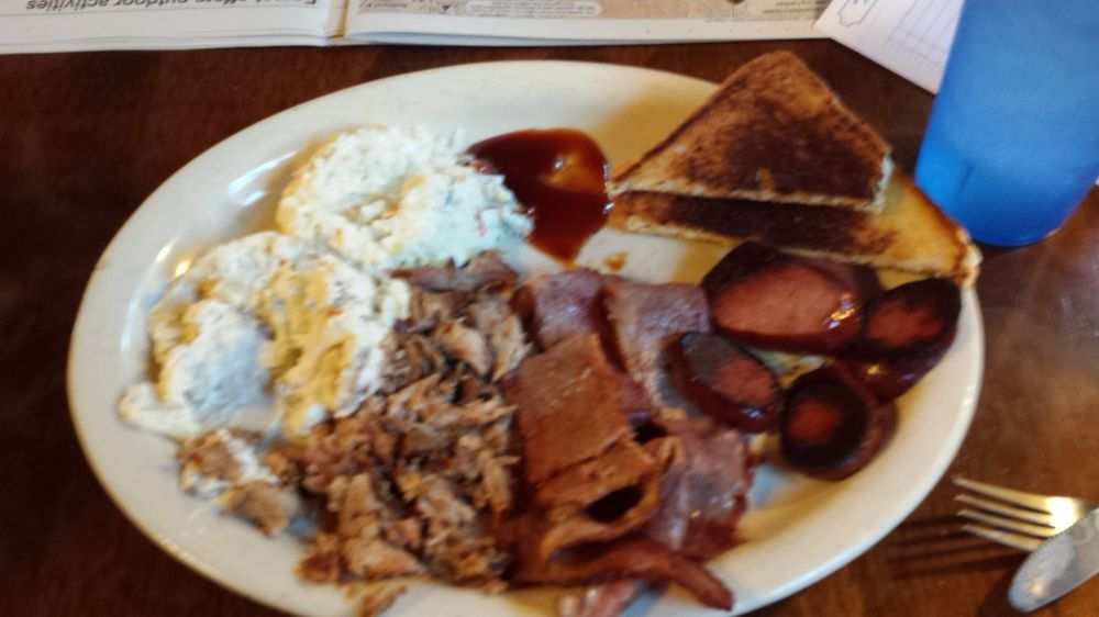 Shorty's BBQ: 1613 E Main St, Mountain View, AR