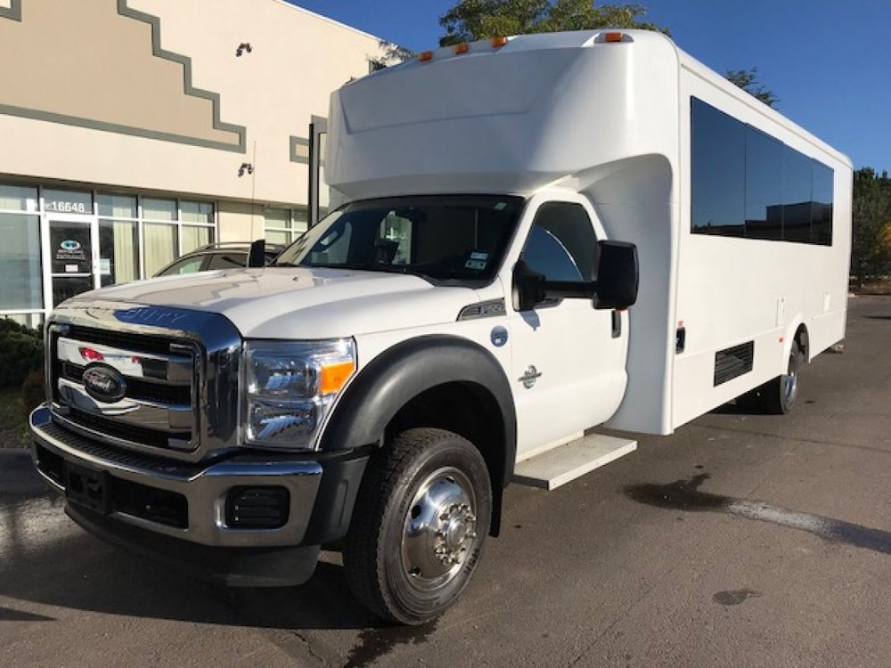 Bakersfield Limousine & Transport: 6801 Meany Ave, Bakersfield, CA