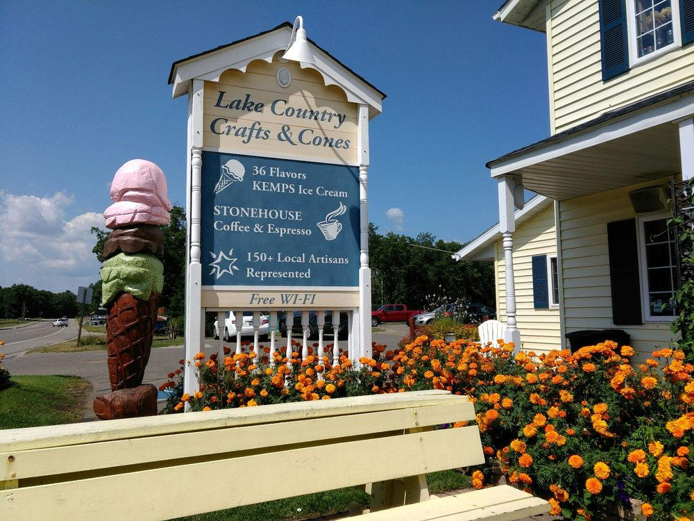 Lake Country Crafts & Cones: 36084 County Rd 66, Crosslake, MN