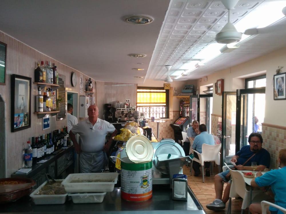 Bar Casa Pepe: Calle Rosa, 28, Cádiz, CA