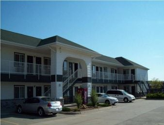 Days Inn by Wyndham Andover: 222 West Highway 54, Andover, KS