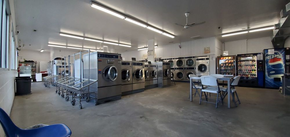 Hillsborough Coin Laundry: 625 Cornelius St, Hillsborough, NC