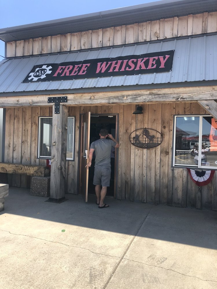 Badlands Distillery: 425 Sd Hwy 73, Kadoka, SD