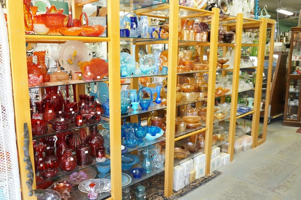 English River Antiques & Collectibles: 417 B Ave, Kalona, IA