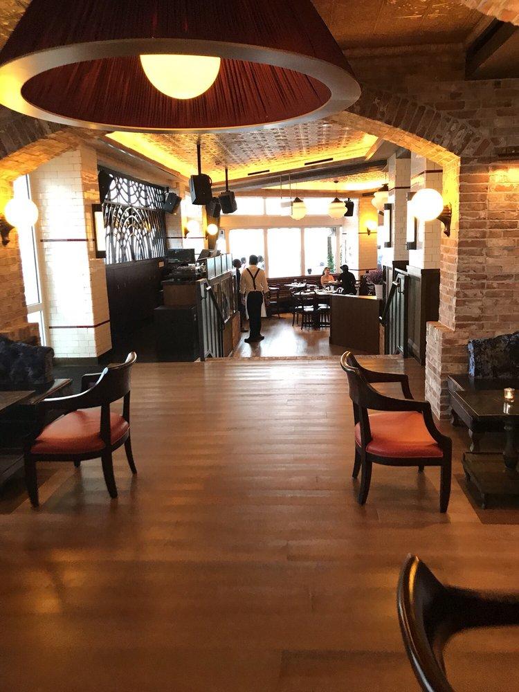 LAVO Italian Restaurant & Rooftop Bar