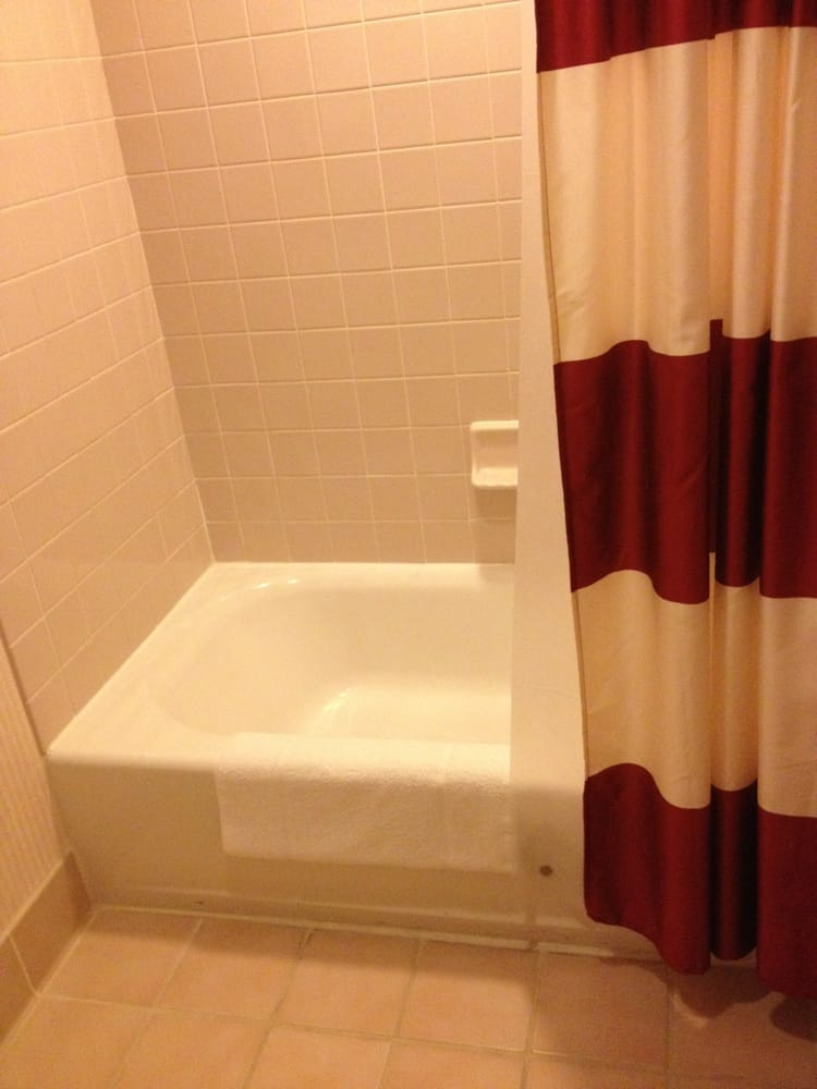Very Dated Shower Tub Tile To Match The Pink Floor Tile Sprucing