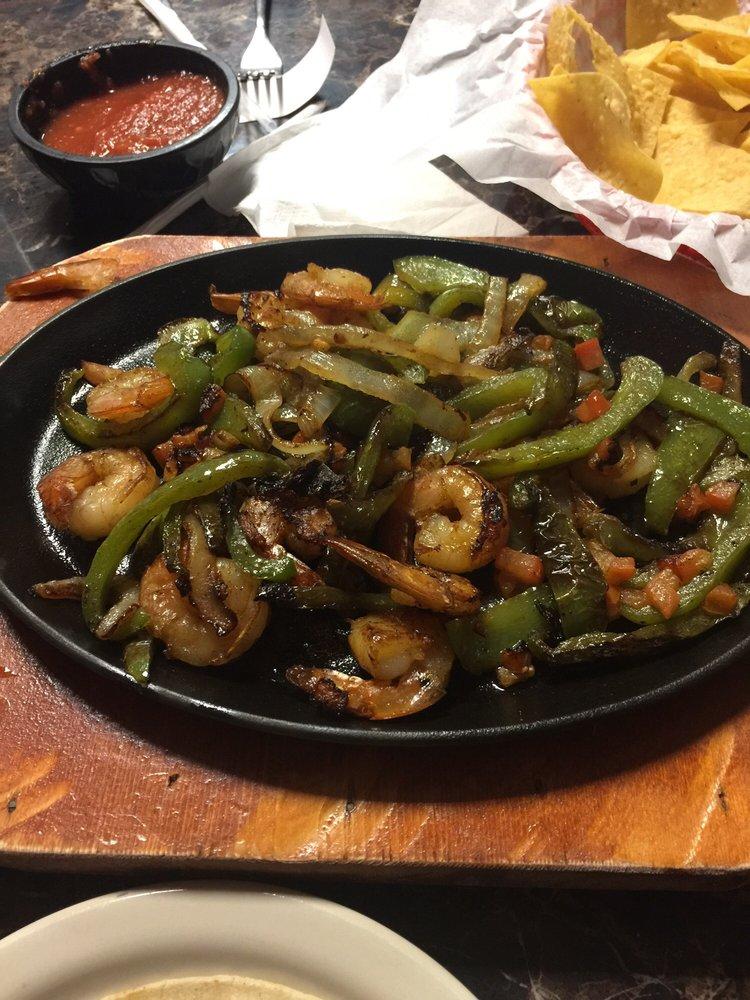 Santiago's Restaurant: 989 E Interstate 20, Colorado City, TX