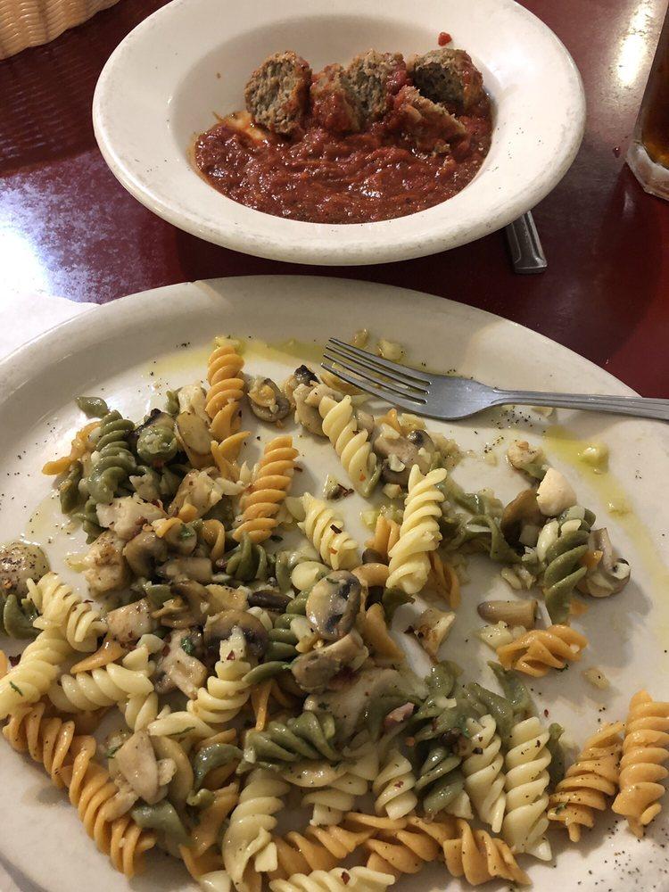 Antonio's Cucina Italiana: 220 S Main St, Alturas, CA