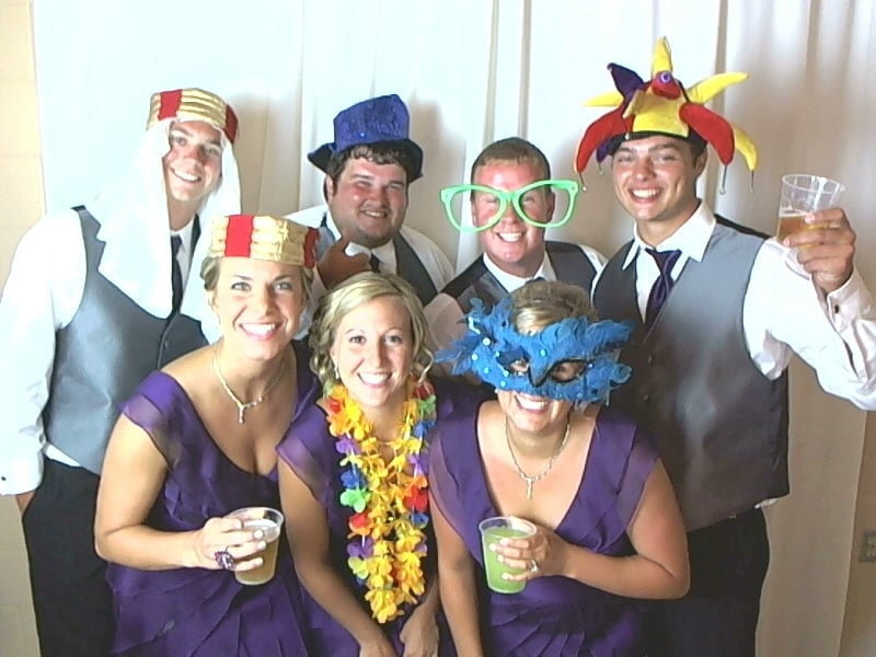 Island Photo Booths: 16323 Canyon Ridge Rd, Leo, IN