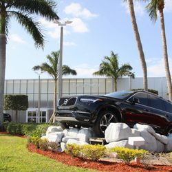 volvo of the palm beaches 14 photos 11 reviews car dealers 3001 okeechobee blvd west. Black Bedroom Furniture Sets. Home Design Ideas