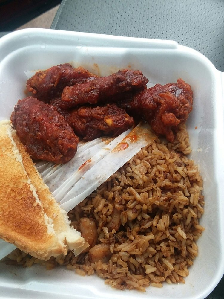 Mias Eatery: 18 W Airline Hwy, Kenner, LA