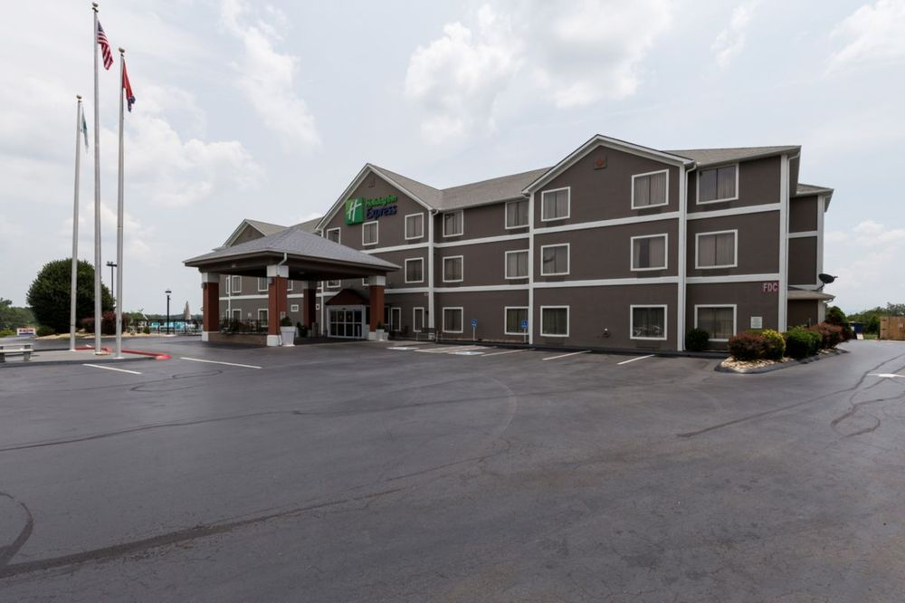 Holiday Inn Express - Dandridge: 119 Sharon Dr, Dandridge, TN