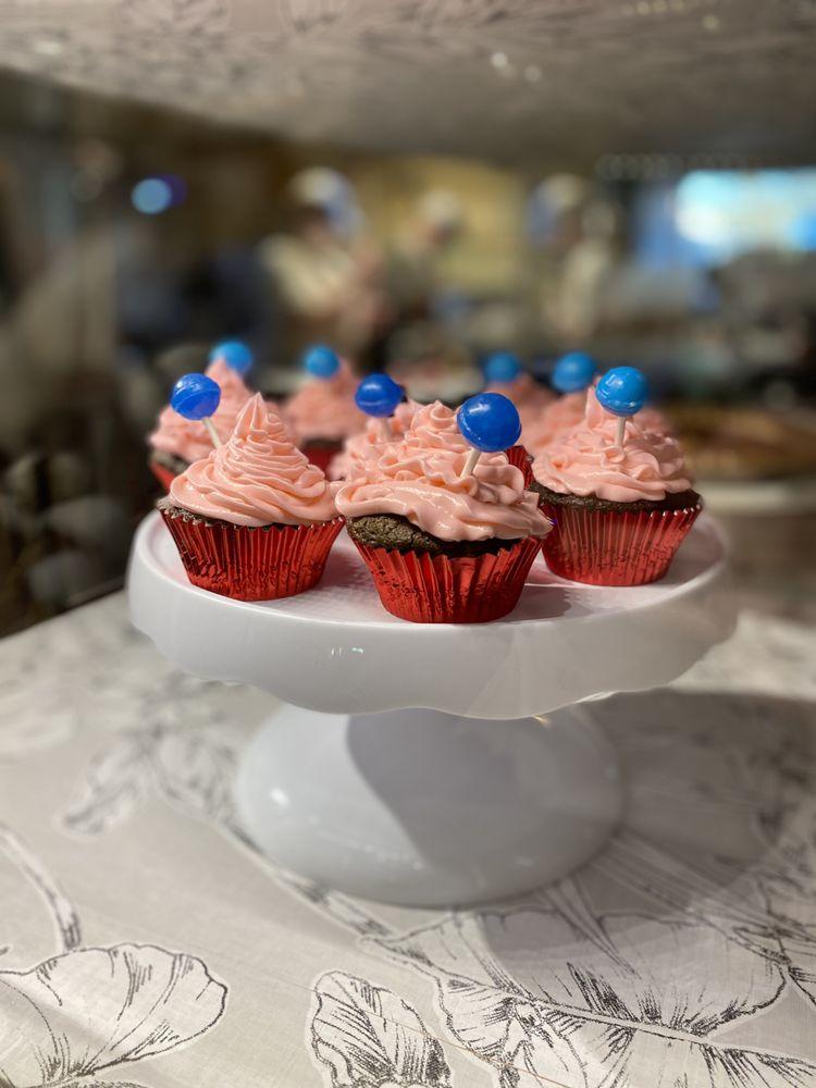 Cutting Board Cafe & Bakery: 211 N Pearl St, Trenton, TX