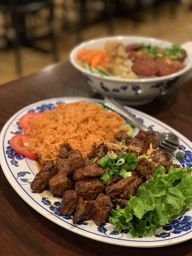 Viet Huong Restaurant: 10727 Garvey Ave, El Monte, CA