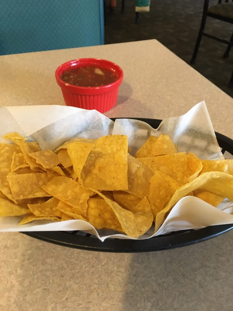 Mucho Si: 102 N Central Ave, Sidney, MT