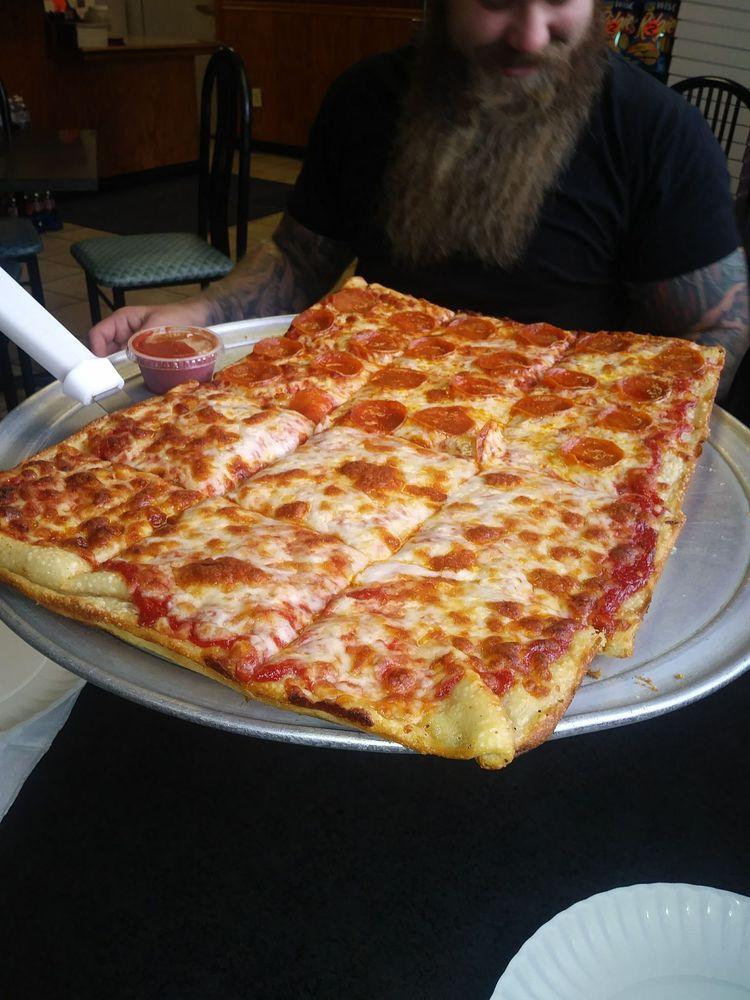 Sweet Pizzz Pizza: 232 S Lehigh Ave, Frackville, PA