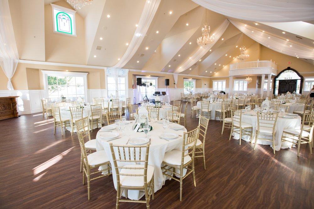 Wedgewood Weddings Lindsay Grove