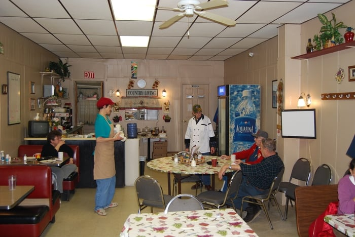 Aurora Country Kitchen: 407 2nd St, Aurora, IN